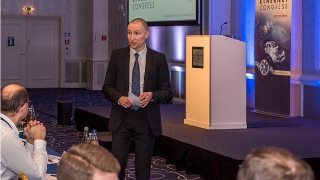 Nicolas Morand, Morand, Spezialist für Kommunikationsnetzwerke und –protokolle von der Groupe moderierte den Kongress.