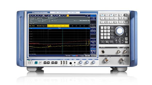 Bei Emissionsmessungen unterstützen die EMV-Messempfänger R&S ESR und R&S ESW von Rohde & Schwarz (Halle C2, Stand 517) mit hohen Messgeschwindigkeiten und umfangreichen Diagnosewerkzeugen für normenkonforme EMV-Zertifizierungen nach CISPR, EN, FCC und MIL. Speziell für Automotive-Anwendungen und Messungen nach FCC wurde der Frequenzbereich des R&S ESW mit externen Mischern bis 500 GHz erweitert. Ansonsten legt Rohde & Schwarz dieses Jahr besonderes Augenmerk auf die neuen Radio Equipment Directive (RED), die neue Zulassungsrichtlinie für Funkgeräte in Europa. Das R&S TS8997 kann jetzt auch Zulassungsprüfungen nach den neuen Normen ETSI EN 301 893 und EN 300 328 für Wireless-Geräte im 2,4 und 5 GHz-Band inklusive Empfängertest und nach FCC §15.247 und §15.407 inklusive DFS-Tests durchführen. Ebenfalls auf der Messe sind Testlösungen für Autoradios und Rundfunkempfänger entsprechend der neuen RED für digitale TV-Rundfunkempfänger (EN 303 340), für Radiorundfunkempfänger (EN 303 345) und für Indoor-Satellitenrundfunkempfangsgeräte (EN 303 372-2) zu sehen.