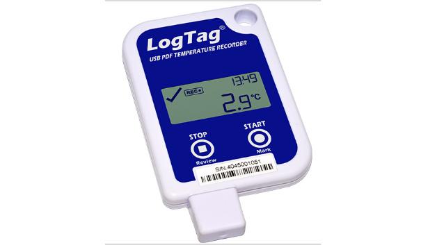 Das LogTag Loggersystem von CiK Solutions wird um den neuen Temperatur-Datenlogger UTRID-16 erweitert. Dieser zeichnet sich durch einen integrierten USB-Anschluss, eine automatischen PDF-Reportgenerierung und eine 6-fachen Multi-Alarm-Anzeige aus.  Der LogTag Datenlogger UTRID-16 ist für alle Anwendungen geeignet, bei denen ein Logger mehrfach wiederverwendet werden kann und ein Display benötigt wird. Er zeichnet sich durch sein robustes und langlebiges Polycarbongehäuse aus und kann direkt in einen USB Port eines PCs eingesteckt werden. Es ist keine spezielle Hardware oder Software nötig, um die aufgezeichneten Daten abzurufen und am Zielort einen detaillierten PDF-Report zu erstellen. Zusätzlich können die Daten optional mit der kostenlosen LogTag Analyzer Software zur detaillierteren Analyse heruntergeladen werden. Das übersichtliche Display zeigt Temperatur und Alarmstatus von bis zu sechs Alarmen. Durch den Temperaturmessbereich von -25 °C bis +60 °C und die Aufzeichnungsleistung bis 16.129 Messwerte ist der Logger auch für Langstreckentransporte geeignet.