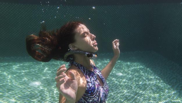 Jedes Jahr ertrinken weltweit 372.000 Menschen. Mit Ploota soll diese Zahl reduziert werden: Bleibt man länger als 30 Sekunden unter Wasser, löst Ploota aus…