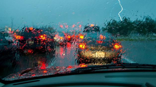 Kritische Sichtverhältnisse – Regenwetter und Dunkelheit.
