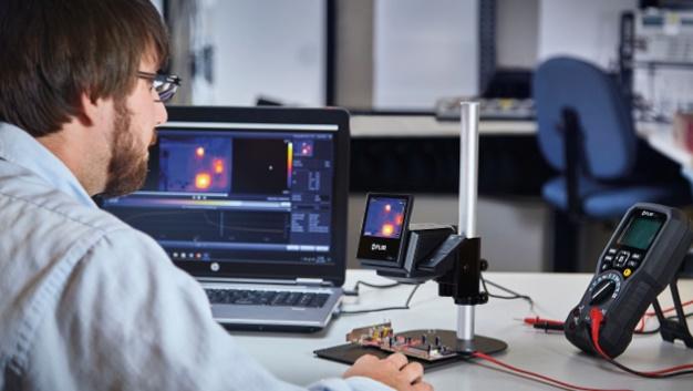 Die ETS320 wurde für die thermische Untersuchung von Leiterplatten entwickelt. Entwickler können so frühzeitig in der Produktentwicklung Schwachstellen im Elektronik-Design entdecken.