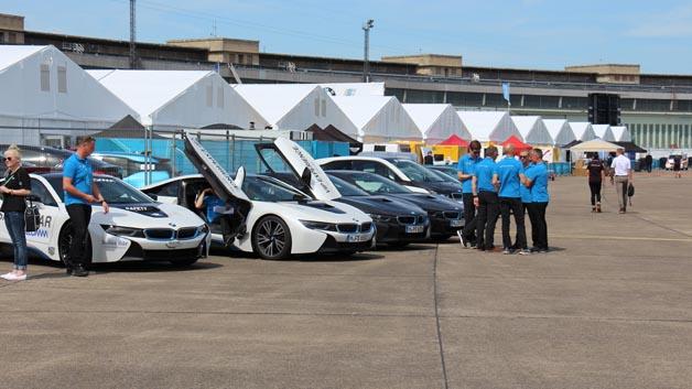 Der BMW i8 fungiert als Safety Car.