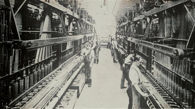 Mit dem Aufkommen der Elektrotechnik kündigte sich um 1900 ein neuer Produktschwerpunkt an – die Herstellung von Stromkabeln.