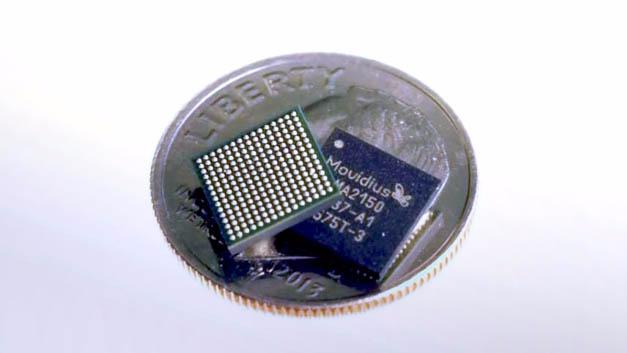 Das Herz des USB-Sticks bildet der Myriad-2-Prozessor mit 12 Parallel arbeitenden VLIW-Einheiten.