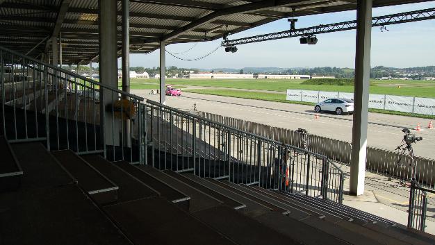 Der Militärflughafen Dübendorf wurde Schauplatz der AXA Crashtests 2017.