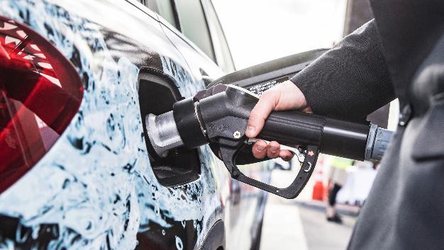 Das deutsche Tankstellennetz hat nun auch eine Wasserstofftankstelle in Karlsruhe.