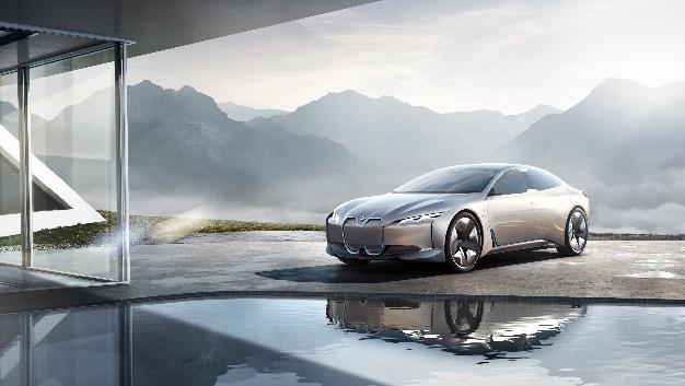 Elektromobilitäts-Studie BMW i Vision Dynamics hat laut BMW eine Reichweite von 600 km.