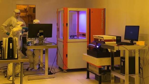 In der Utah Nanofab der University of Utah in Salt Lake City arbeitet seit Ende August dieses Jahres. Dort benutzen ihn verschiedene Forschungsgruppen für die Fertigung von Nanodrähten und anderen Nano-Maschinen.