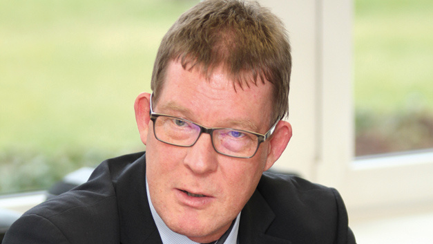 Olaf Lüthje, Senior Vice President Business Marketing, Vishay Passives »Die langen Lieferzeiten sind ja auch deshalb entstanden, weil sich einzelne Hersteller von diesen Produkten distanzieren.«