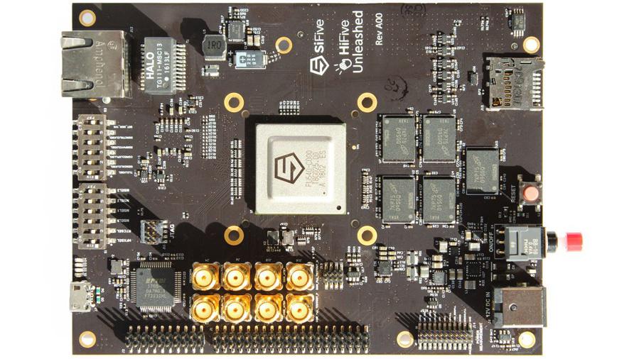Das Entwicklungsmodul HiFive Unleashed von SiFive basiert auf dem SoC Freedom U540 mit …