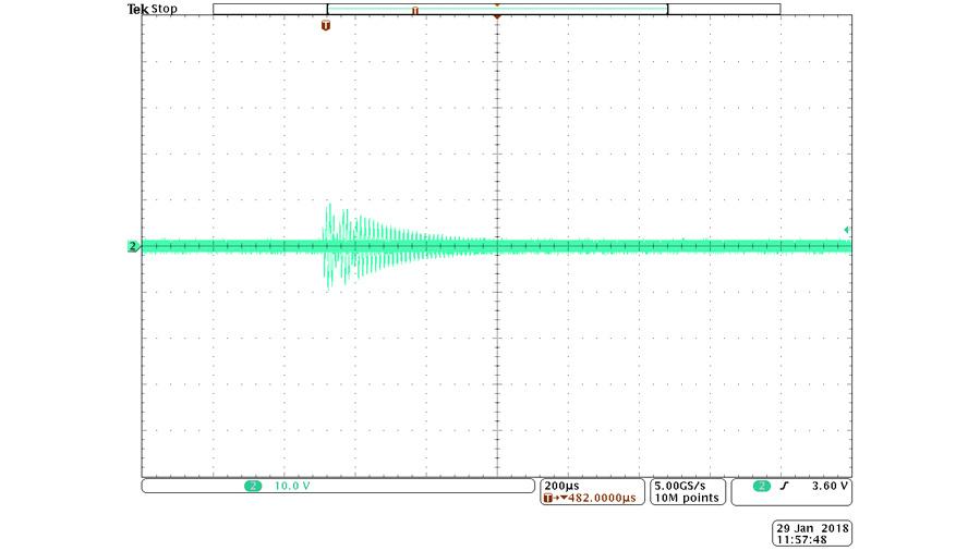 Bild 2c. Die Messung zeigt den Spannungsverlauf mit einem Empfänger in der Nähe der Senderspule.