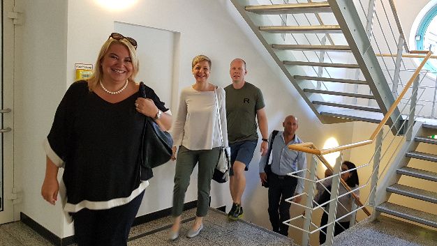 Am Donnerstag, den 21.6.18 kurz vor zehn Uhr trafen unsere ersten Kandidaten von der Puls GmbH ein. Im Vordergrund Personalleiterin Tanja Friederichs.
