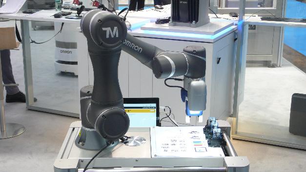 Omron hat eine strategische Partnerschaft mit dem taiwanesischen Cobot-Hersteller Techman Robot vereinbart und wird die Cobots der TM-Serie von Techman unter einem Cobranding-Logo über sein weltweites Vertriebsnetz vermarkten. Auf der Automatica war ein »cogebrandeter« TM-Cobot zu sehen.