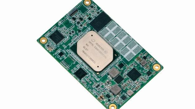 Das Typ-10-COM-Express-Modul NanoCOM-APL von Aaeon basiert auf einem Intel-Atom-, Celeron- oder Pentium-Prozessor der sechsten Generation und verfügt über einen integrierten LPDDR4-Speicher mit einer Kapazität von bis zu 8 GB. Die Architektur des 7-W-Moduls ermöglicht den Einsatz als Herzstück von tragbaren, batteriebetriebenen Geräten und vollständig geschlossenen IP67-Anwendungen. Dank integrierter Unterstützung für zwei MIPI-CSI-Schnittstellen eignet sich das Modul für Bildverarbeitung und Fabrikautomatisierung. Es bietet außerdem einen GbE-LAN-Anschluss, optionalen Onboard-EMMC-Speicher mit bis zu 64 GB Kapazität, einen PCIe-x4-Erweiterungssteckplatz, einen LVDS-, DDI- oder EDV-Anschluss sowie Unterstützung für bis zu acht USB-3.0- und zwei USB-2.0-Ports.