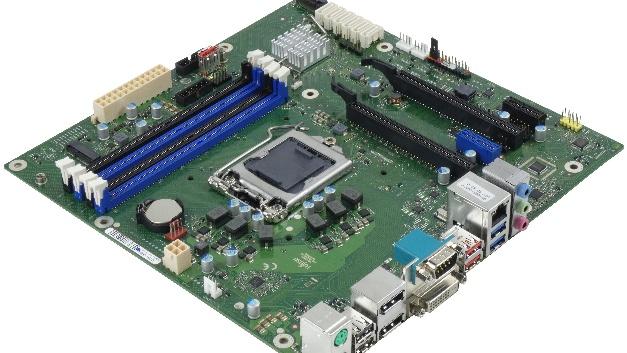 Ebenfalls MicroATX-Bauform haben die Boards D3642-B und D3644-B. Sie sind mit dem C246-Chipsatz ausgerüstet. Hier nicht abgebildet ist das Board D3674-B mit dem preiswerten H310-Chipsatz, das ebenfalls MicroATX-Größe hat.