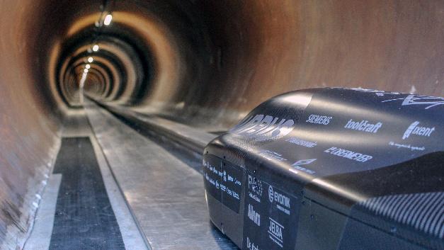 In der 1,2 km langen Röhre bei SpaceX in Los Angeles erreichte der Pod der TU München die Rekordmarke von 467 km/h.