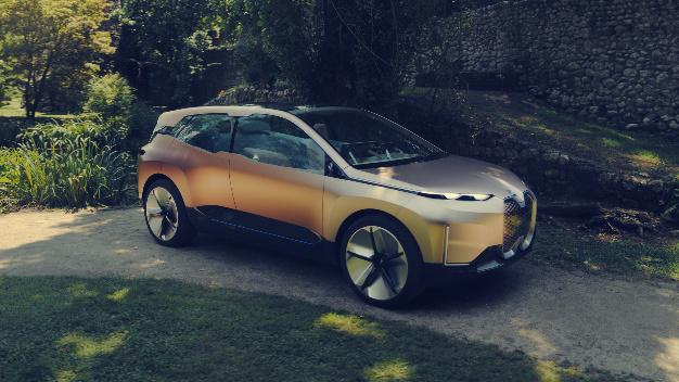 Größe und Proportionen eines Sports Activity Vehicles (SAV) verleihen dem BMW »Vision iNext« eine kraftvolle Erscheinung.