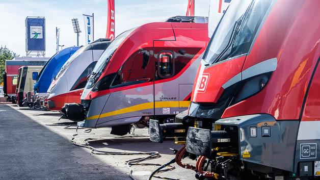 Das Messegelände in Berlin hat 3500 Meter Gleise, auf denen 155 Fahrzeuge ausgestellt waren.