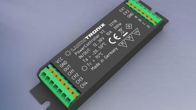 Mit dem PowerController V2 bietet der deutsche LED-Experte Lumitronix Leuchtenherstellern ein flexibles Steuergerät mit vielen Funktionen. Vier Eingangskanäle ermöglichen den individuellen Anschluss von beispielsweise Tastern, Dimmern oder Sensoren, während vier Ausgangskanäle für Flexibilität bei der Planung der unterschiedlichsten Beleuchtungsszenarien sorgen. Außerdem erlaubt das schlanke Format von 99 x 29 x 13 mm die Installation in nahezu jeder Art von Leuchte. Mithilfe der eigens von Lumitronix entwickelten Software können Leuchtenbauer das Steuergerät genau mit den Funktionen ausstatten, die für eine bestimmte Produktfamilie gewünscht werden. Sie können sich entweder für eine vorprogrammierte Standardkonfiguration entscheiden oder selbst definieren, wie die Ein- und Ausgänge belegt oder welche Funktionen ausgeführt werden sollen. Lumitronix bietet Ausführungen der Mini-Steuereinheit an, die mithilfe von Erweiterungen die Integration von Casambi (Bluetooth), DALI (Netzwerk) und ZigBee (Funk) unterstützen.