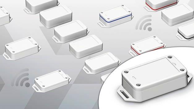 Das neue IoT-Sensorgehäuse aus schwer entflammbarem, selbstverlöschendem PC UL94 V-0 ist 70 × 42mm2 sehr kompakt. Es bietet Platz für Sensor, Funkmodul und Spannungsversorgung und eignet sich dank eingeformter Aufnahme für die Integration eines Druckausgleichselements auch für den Außeneinsatz. Je nach Art des erforderlichen Leistungsbedarfs der Funktechnologie bietet Bopla das kleine Kunststoffgehäuse in drei Höhen an: 15 mm für eine Knopfzelle, 22 mm für drei AAA-Micro-Batterien und 26 mm für eine Lithiumbatterie CR 14250.