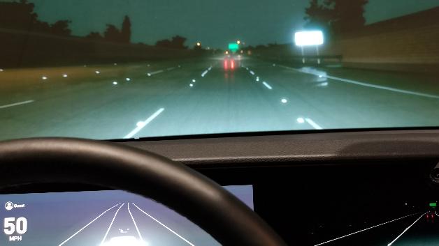Der Simulator kann beliebige Umgebungsbedingungen, hier ein nächtliches Szenario, darstellen.