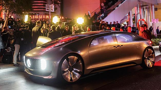 Das autonome Forschungsfahrzeug F 015 Luxury in Motion von Mercedes-Benz ist nicht nur ein Fortbewegungsmittel, sondern soll auch als privaten Rückzugsraum dienen.