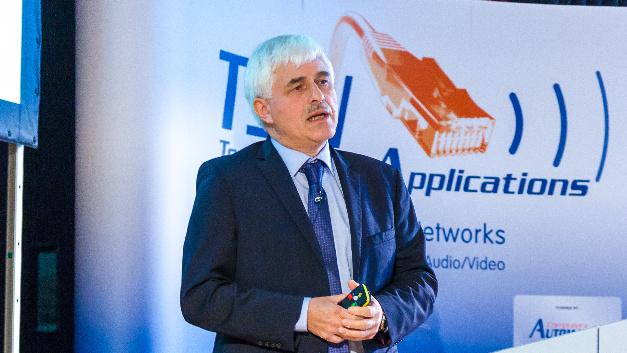 Harald Zweck von Infineon erläuterte den Teilnehmern das Automotive TSN Profile IEEE P802.1DG.