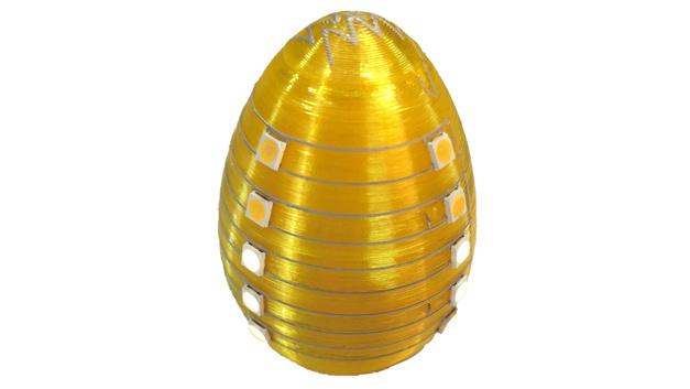 Beispiel für eine additiv gefertige räumliche elektronische Baugruppe: Im innern des Ei befinden sich die LED-Treiber und alle Verbindunsgleitungen.