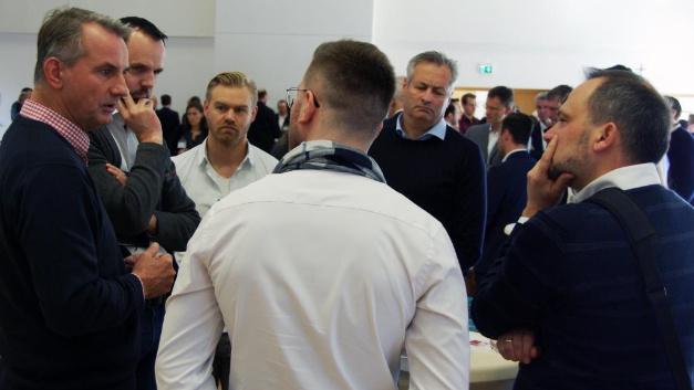 Rege Diskussionen unter den Teilnehmern gab es bei den Roundtable-Runden.