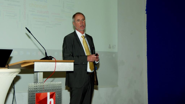 Prof. Dr. Hubertus Tuczek sprach über digitale Geschäftsmodelle.