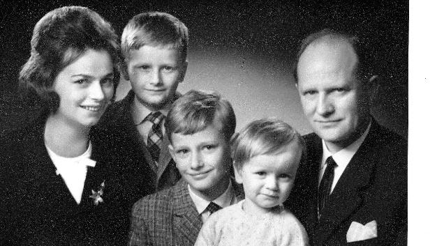 Ein Blick in die Vergangenheit: Die Unternehmensgründerin Ursula Ida Lapp mit Mann und Kindern. Auch später hat sie sich für die Vereinbarkeit von Beruf und Familie eingesetzt.