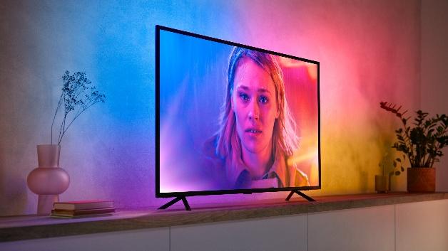 Der Lightstrip gibt so die auf dem Bildschirm dargestellten Inhalte wieder. Die erzeugten Farben gehen dabei nahtlos ineinander über.