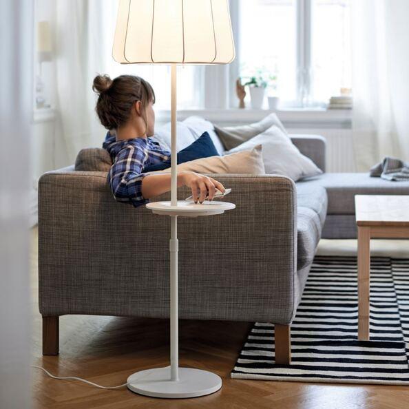 Modernes Wohnen Ikea Möbel Werden Zur Ladestation Crnde