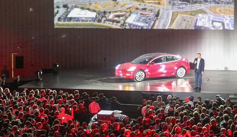 Hauptversammlung: Elon Musk verspricht Rekordauslieferungen bei Tesla