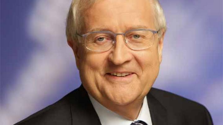 Bundesminister für Wirtschaft und Technologie, Rainer Brüderle: »Die Wachstumspotentiale für die deutsche Wirtschaft durch moderne Telekommunikation sollen besser erschlossen und genutzt werden.«