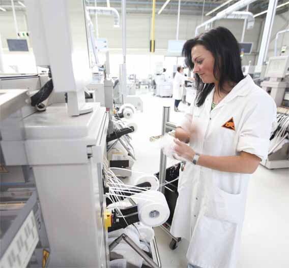 Baugruppen-Fertigung in allen Stückzahl-Varianten möglich: Das Leipziger Werk der Siemens Enterprise Communications Manufacturing (SECM) sieht sich auf Erfolgskurs.