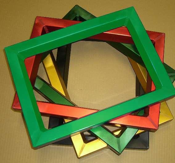 Farbige Rahmen sollen die Lagerhaltung von Siebdruckrahmen erlelichtern.