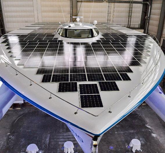 IPCs übernehmen das Energiemanagement des Solarschiffs »PlanetSolar«.