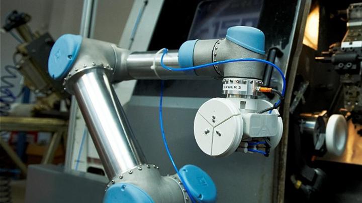 Der Greifarm des Roboters »UR-6-85-5-A Industrial Robot« von Universal Robots