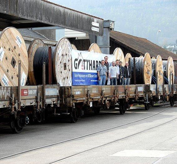 Gotthard-Basis-Tunnel: 350 km Kabel für ersten Bauabschnitt übergeben