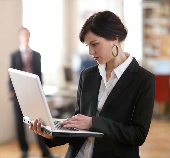 Ob im Laptop oder Smartphone: Der UMTS-Standard ist nunmehr seit 10 Jahren ein schnelles Wireless-Datenübertragungs-Medium.