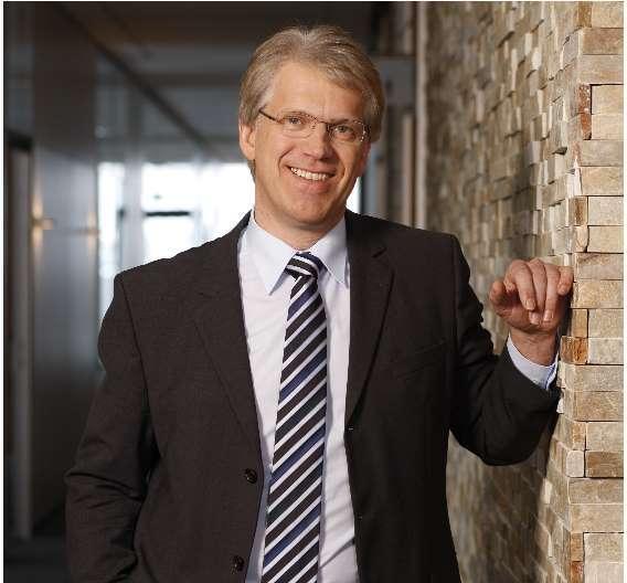 Dieter Manz: »Der von uns entwickelte Prozess zur Erzeugung selektiver Emitter hat nach unseren Recherchen die mit Abstand geringsten Produktionskosten und wird daher unseren Kunden helfen, ihre Profitabilität zu verbessern.«