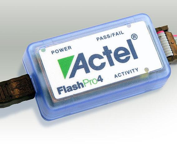 """""""FlashPro4"""" ist der neueste Hardware-Programmer für alle Flash-FPGA-Familien von Actel"""