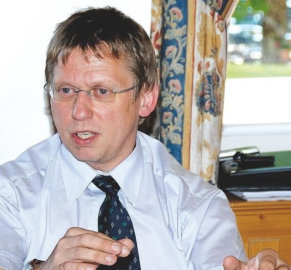 Dr. Hans-Werner Praas, Texsys: »Prismatische Handy-Akkus sind deutlich im Preis gefallen. Bei Laptop-Rundzellen zeigt sich der Markt uneinheitlich.«