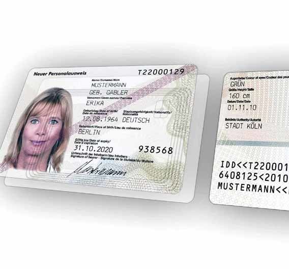 Ab November 2010 wird der neue Personalausweis ausgegeben. Er kann mit speziellen Identifikations- und Signatur-Funktionen aufwarten