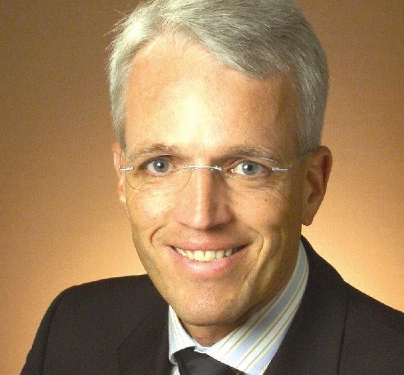 Professor Dr. Gerald Gerlach hat einen Lehrstuhl an der Fakultät Elektrotechnik und Informationstechnik der Technischen Universität Dresden und ist Vorsitzender des VDE-Ausschusses Ingenieurausbildung.