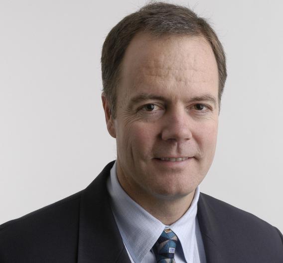 Gregg Lowe ist »Senior Vice President Analog« bei Texas Instruments. Von 1990 bis 1994 war er in Deutschland als Vertriebsleiter für den Bereich Automotive in Europa zuständig. Seit 2006 ist er verantwortlich für den gesamten weltweiten Analog-Bereich.
