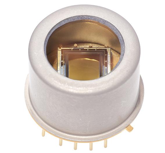 Mit dem 2D InGaAs-Bildsensor »G11097-0606S« ergänzt Hamamatsu Photonics seine Serie von linearen Hochleistungs-Bildsensoren.