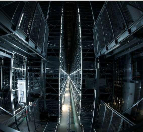 23 Meter hoch und 100 Meter Lang sind die Hochregallager im neuen Distributionszentrum von Future in Leipzig.